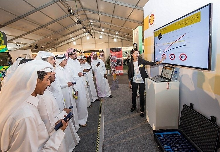 Qatar Shell Continues To Raise Awareness on Road Safety at the 30th GCC Traffic Week