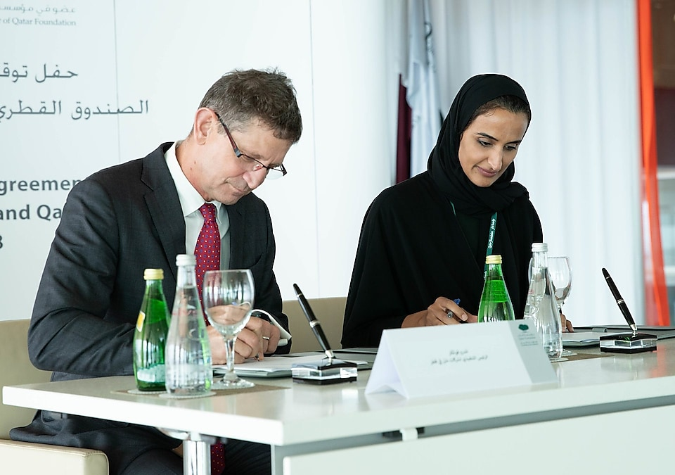 Sheikha Hind and Andrew Faulkner, Managing Director and Chairman of Qatar Shell Companies