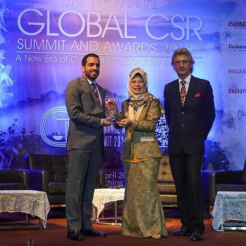 Jaber Al-Mansoor, Social investment Advisor, Qatar Shell, receives Koora Time's 'Best Community Programme Award' atThe Global CSR Awards 2019™in Malaysia.